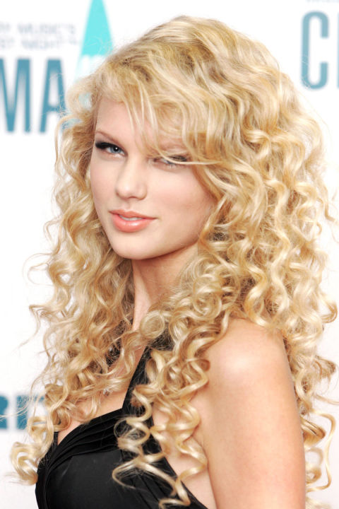 54bbfb158e53a_-_hbz-taylor-swift-hair-2006-xl