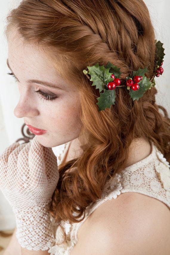 christmas-hair-clip-holly-hair-accessory-holiday-hair-accessories-red-and-green-festive-hairpiece-new