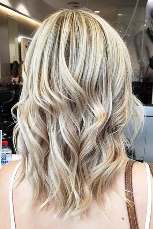 20-medium-wavy-brown-blonde-hairstyle