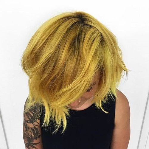 11-short-layered-golden-blonde-hairstyle