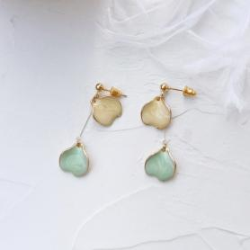 A PAIR OF SYLVIA GINKGO DROP EARRINGS A036